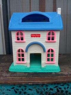 Fisher Price dollhouse. In good condition use pick up in Anaheim