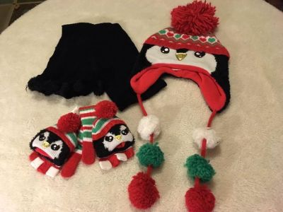 3 pc set Justice fleece lined Penguin hat with matching NWT gloves and black scarf with Pom Poms on it