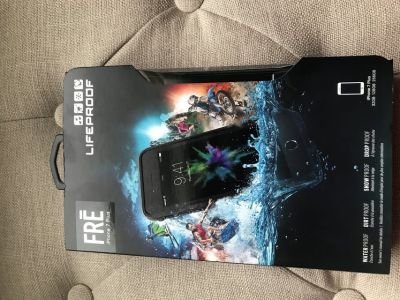 NIB Life proof Fr case- iPhone 7plus