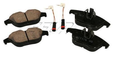 Purchase NEW Akebono Disc Brake Pad Set - Rear EUR1341 Mercedes-Benz OE 54204220 motorcycle in Windsor, Connecticut, US, for US $69.85