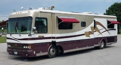 By Owner! 1998 40 ft. Beaver Marquis w/1 slide