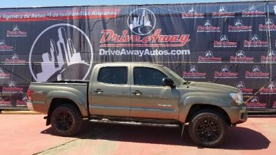 2015 Toyota Tacoma 2WD Double Cab I4 AT PreRunner