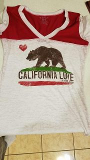 California tee Size Med