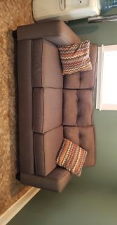 Like brand new couch. Blemish free $400