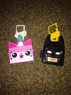 2 happy meal toys