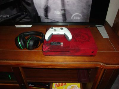 Xbox One S Gears of War 4 Limited Edition (2TB)