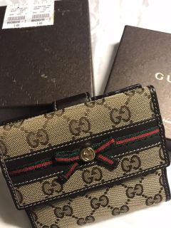 Gucci bifold Wallet for woman