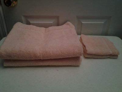 Peach Bath Towels and Wash Cloths
