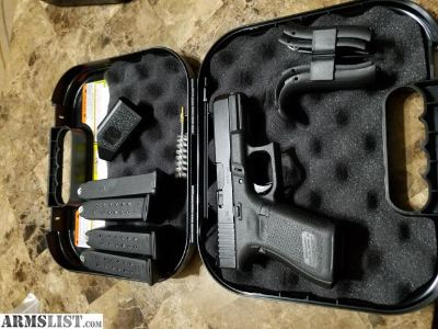 For Sale/Trade: Glock Gen 5 with trijicon HD Sights and 4 mags