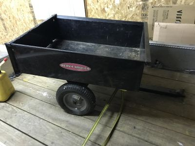 Utility Trailer 10 CU FT 900 LBS capacity (barely used)