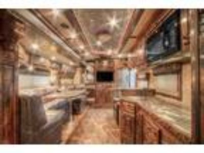 2013 Platinum Coach Outlaw AIR RIDE Reverse 4 horse 20' SW Outlaw 50 a 4 horses