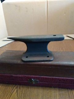 VINTAGE JEWELRY ANVIL