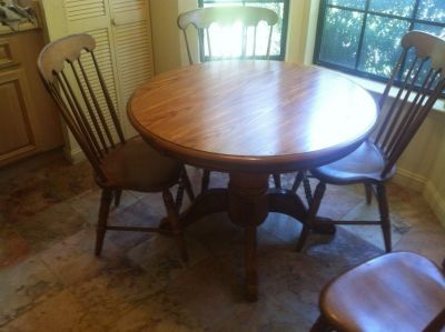 Round wood table w/ 4 chairs