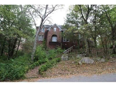4 Bed 3 Bath Foreclosure Property in Huntsville, AL 35803 - Shadow Wood Dr SE