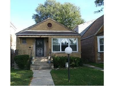 3 Bed 2 Bath Foreclosure Property in Chicago, IL 60617 - S Constance Ave