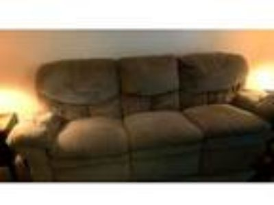 3 seater sofa~ excellent condition