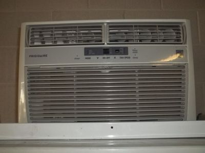 WINDOW A/C UNITS FOR SALE (MORE THAN 1 4 SALE)