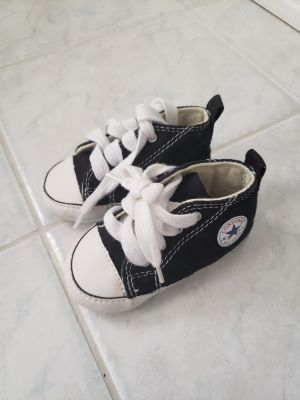EUC baby Converse shoes size 3