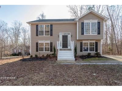 2 Bed 2 Bath Foreclosure Property in Ruther Glen, VA 22546 - Sea Cliff Dr