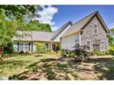 WOW!!! What a fabulous find - a Four BR, Two BA Ranc...