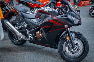 2018 Honda CBR300R Sport Motorcycles Aurora, IL