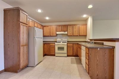 Complete Set of Kitchen Cabinets & Countertop