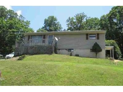3 Bed 1 Bath Foreclosure Property in Kingsport, TN 37665 - Quillen St