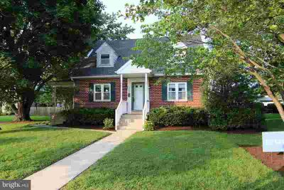 109 Remsburg St HUMMELSTOWN Four BR, Well maintained brick Cape