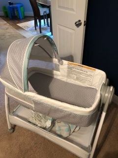 Graco Bassinet/Changing Table