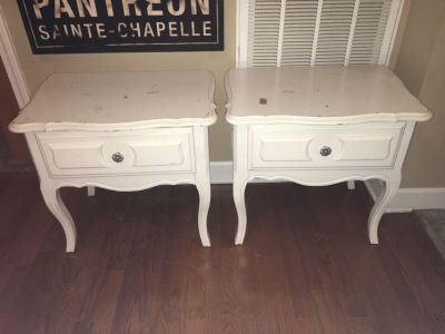 Solid Matching Night Stands - could use new paint BOTH for 35$