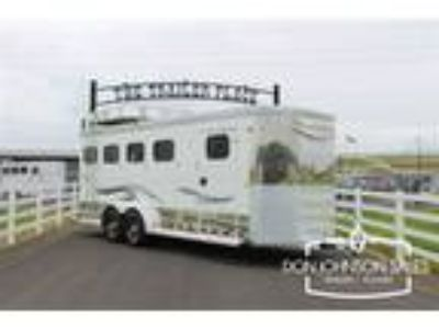2015 Trails West Sierra Select II 4H Corner Feeders, Window Sceens 4 horses