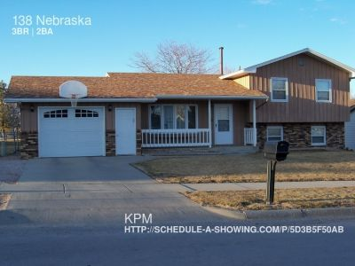 3 BEDROOM 2 BATH HOME ON SOUTH SIDE OF RAPID CITY