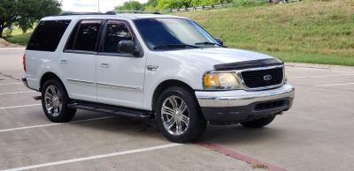 2001 Ford Expedition XLT (White)