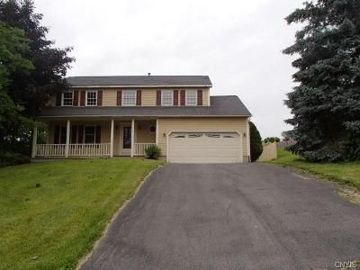 4 Bed 3 Bath Foreclosure Property in Baldwinsville, NY 13027 - Shalako Cir