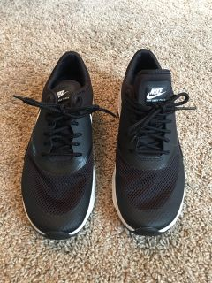 Women s Nike Air Max Thea size 7