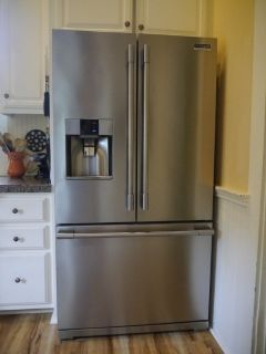 Frigidaire Ice/Water Dispenser 27 cu. ft.,Fr.Door, Delivery Available!