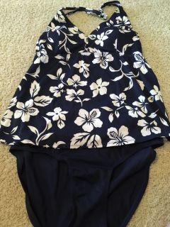 Large maternity swim suit