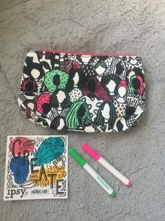 Color your own cosmetic case!