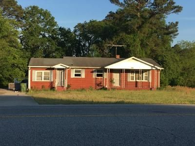3 Bed 2 Bath Foreclosure Property in Fayetteville, NC 28306 - Boone Trl