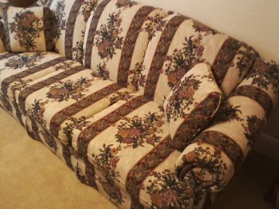 Nice 3-cushion SOFA