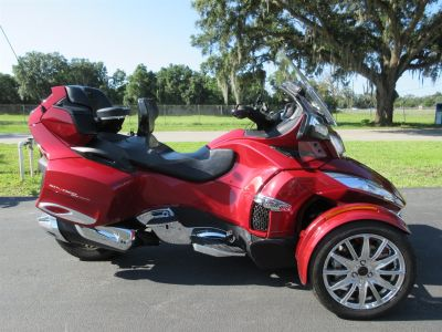 2015 Can Am SPYDER RT-S (Red)