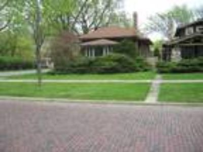 River%20Forest Four BR Two BA, 755 Monroe Avenue River Forest