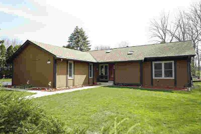 3838 S 102nd St Greenfield Three BR, Impeccably maintained &