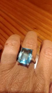 ABSOLUTELY BEAUTIFUL SIZE 8 BOUGHT SIVER 925