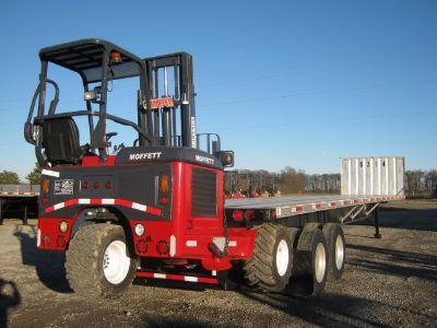 $17,900, 1997 Utility Moffett Forklift Trailer
