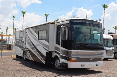 2003 Fleetwood Discovery 39S