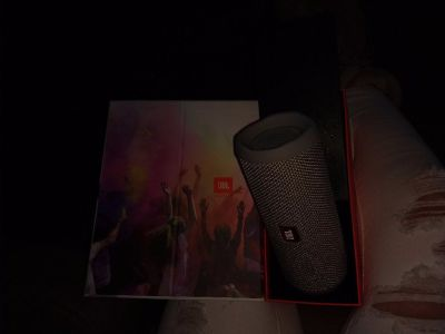 JBL Flip 4 portable Bluetooth speaker waterproof