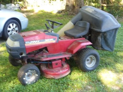 "Murray 40"" Lawn Tractor with Bagger"