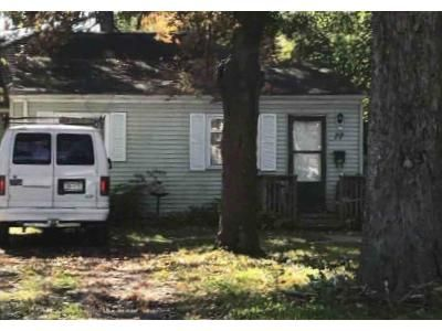 2 Bed 1 Bath Foreclosure Property in Rochester, NY 14616 - Sparling Dr