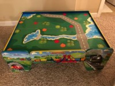 train table Imaginarium